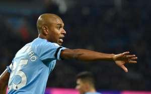 Фернандиньо продлил контракт с Манчестер Сити
