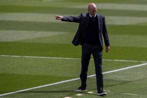 I 23 problemi di Zidane nella difesa del Real Madrid