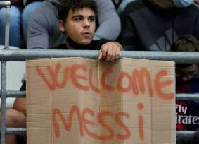 Messi fue recibido como dios en su debut con el PSG