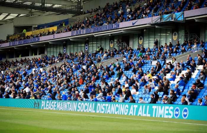 Le public revient dans les stades pour les deux derniers tours de la Premier League