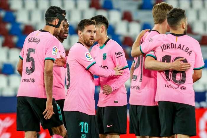 बार्सिलोना में एक क्रांति की तैयारी हो रही है, 14 खिलाड़ी जा रहे हैं