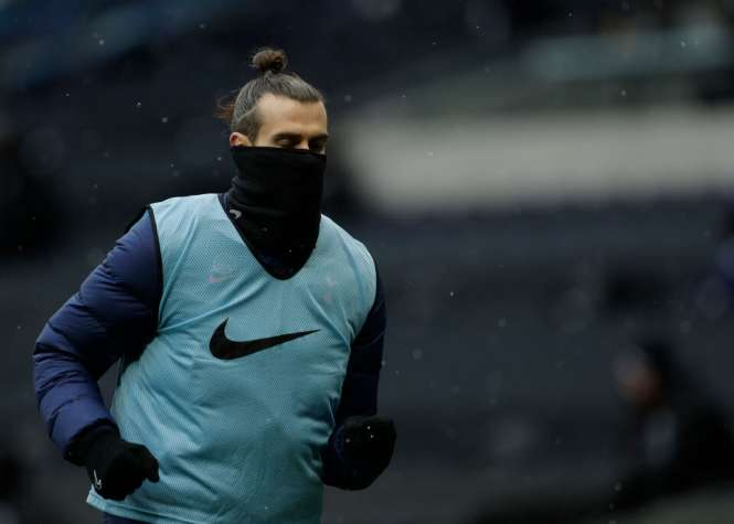 Bale gana 9,000 libras por minuto y 28,000 libras por pasada