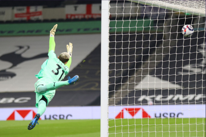 टोटेनहम यूरोप की पांच सबसे मजबूत लीगों में दूसरी टीम है जिसने सौ से अधिक गोल किए