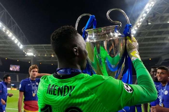 Вратарь Челси с большим достижением