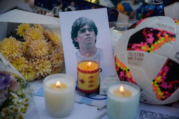 I medici hanno permesso a Maradona di bere alcolici e fumare marijuana per farlo addormentare.