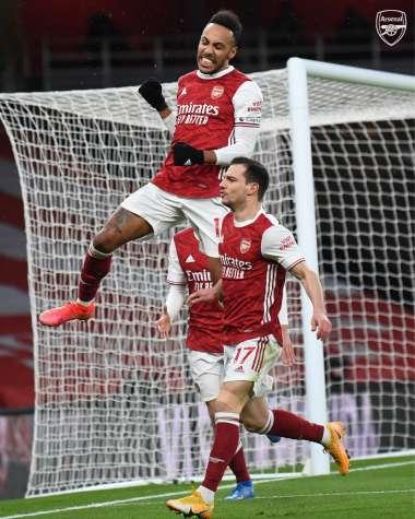 Arsenal a battu Leeds avec le premier triplé d'Obameyang en Premier League